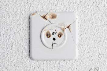 Quels sont les risques d une prise lectrique d fectueuse - Probleme electrique maison court circuit ...