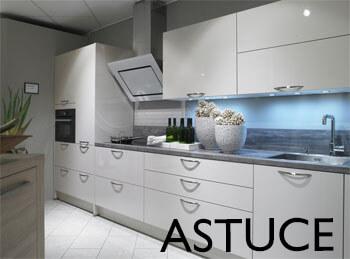 astuce pas cher pour relooker votre cuisine. Black Bedroom Furniture Sets. Home Design Ideas